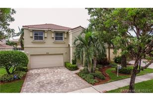 5000 SW 163rd Ave - Photo 1