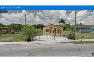 1216 NW 6 Ave - Photo 1