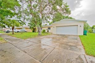 16930 SW 109th Ave - Photo 1