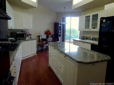 10 Edgewater Dr #4D - Photo 2