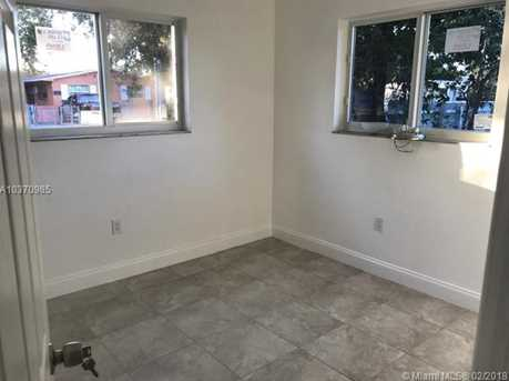 4221 NW 18th Ave - Photo 8
