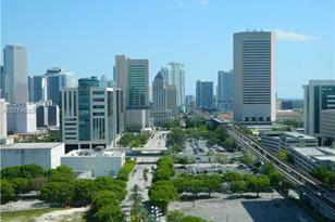 850 N Miami Av #PH W-2106 - Photo 1