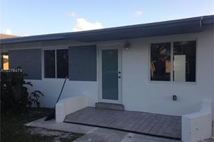 375 NW 4th St - Photo 1