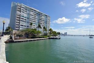 3 Island Ave #3C - Photo 1
