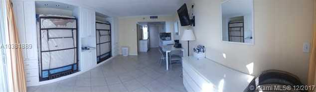 19201 Collins Ave #1105 - Photo 8
