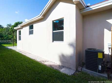 4228 NW 1st Ave - Photo 38