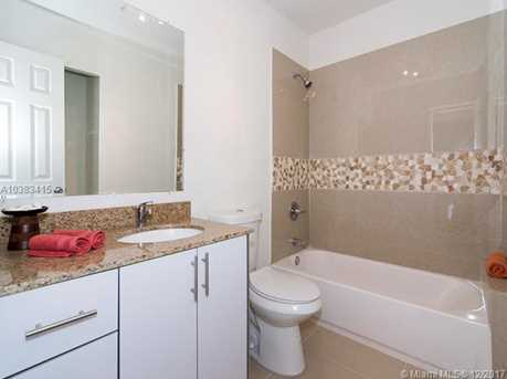 4228 NW 1st Ave - Photo 18