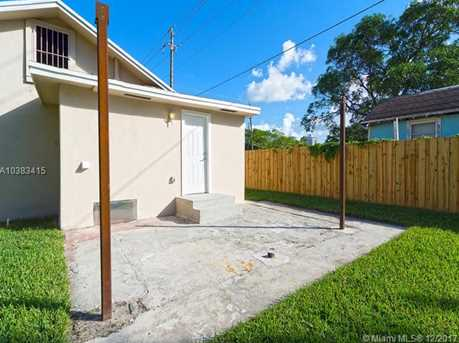 4228 NW 1st Ave - Photo 42