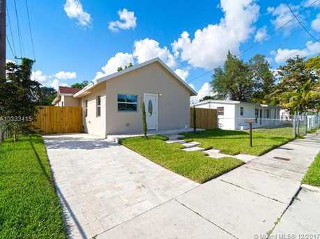 4228 NW 1st Ave - Photo 2
