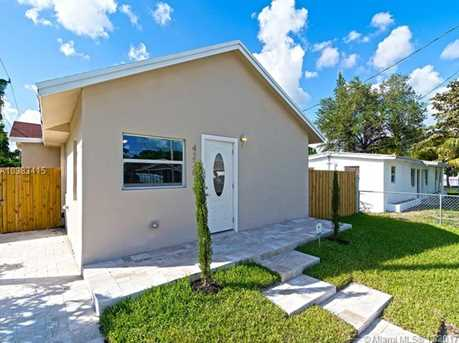 4228 NW 1st Ave - Photo 4