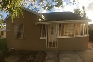 2142 NW 33rd St - Photo 1