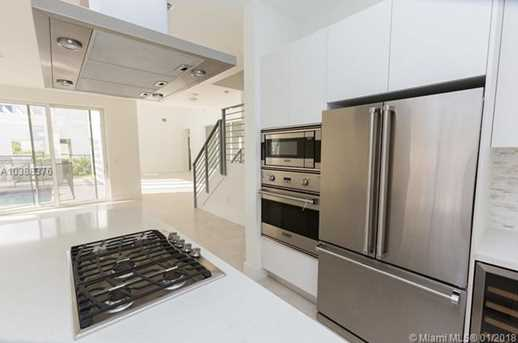 10250 NW 74th Terrace - Photo 8