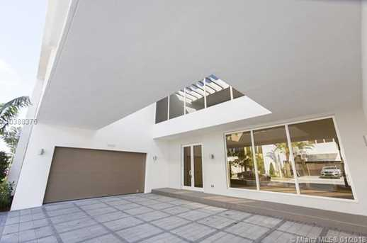 10250 NW 74th Terrace - Photo 4