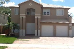 11390 NW 61 St - Photo 1
