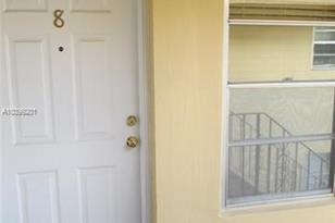 1390 NW 2nd St #8 - Photo 1