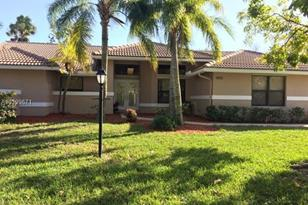 9170 NW 53rd St - Photo 1