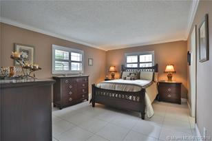 4270 NW 40th St #201 - Photo 1