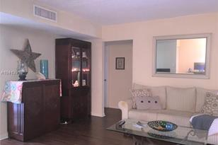 8025 SW 107th Ave #214-2 - Photo 1