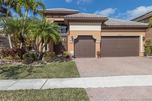 12087 NW 76th Pl - Photo 1