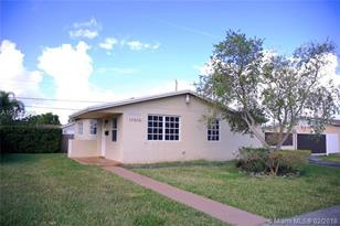 17010 SW 121st Ave - Photo 1