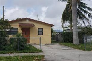 2131 NW 26th Ave - Photo 1