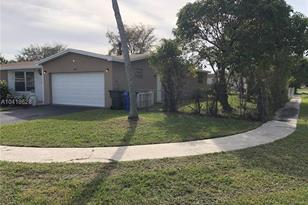 3190 NW 40th St - Photo 1