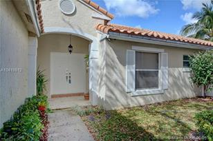 9577 NW 9th Ct - Photo 1