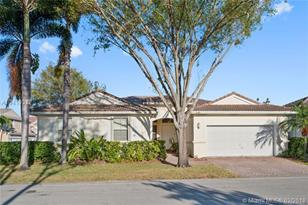 5286 SW 34th Ter - Photo 1