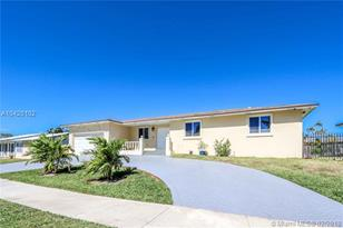 8085 SW 205th Ter - Photo 1