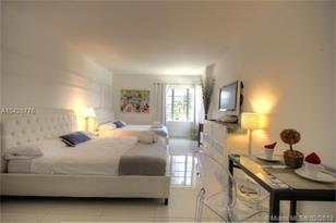 1801 Collins Ave #430 - Photo 1