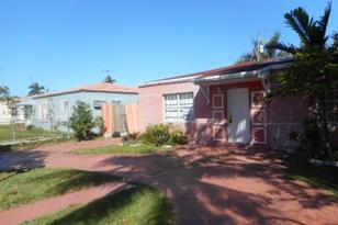 835 NW 17th Ct - Photo 1