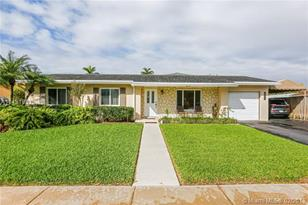 10440 SW 123rd Ct - Photo 1
