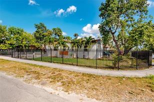 10441 NW 5th Ave - Photo 1