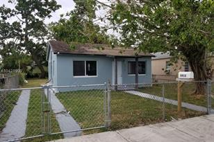 2412 NW 57th St - Photo 1