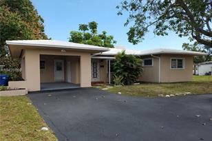 13325 NW 22nd Ave - Photo 1
