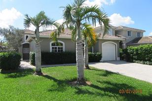 9046 SW 160th Ter - Photo 1