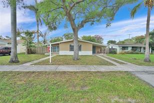 309 NW 43rd Ave - Photo 1