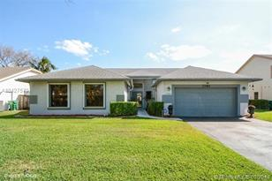 7380 NW 54th Ct - Photo 1