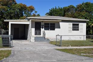 1555 NW 124th St - Photo 1