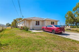 815 NW 14th St - Photo 1