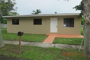 1518 NW 17th St - Photo 1