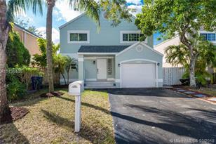 10190 NW 3rd St - Photo 1