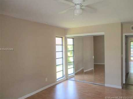 7200 NW 68th St - Photo 14