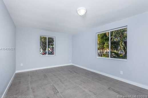 4221 NW 5th Ave - Photo 24