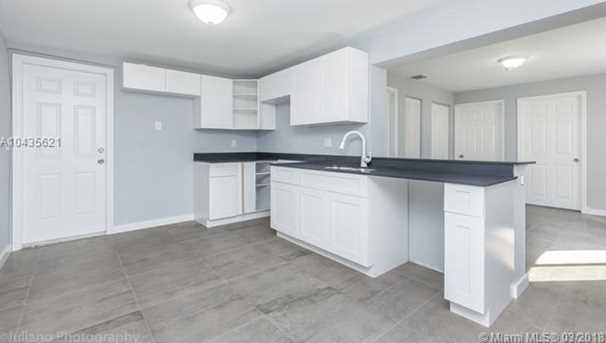 4221 NW 5th Ave - Photo 22