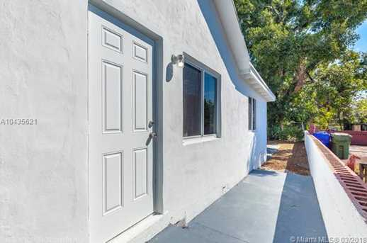 4221 NW 5th Ave - Photo 4