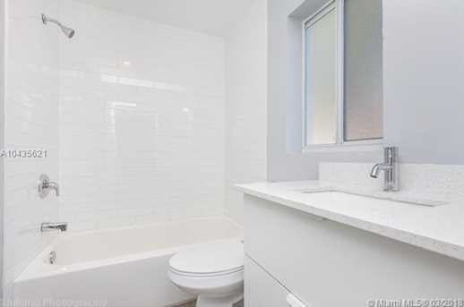 4221 NW 5th Ave - Photo 10