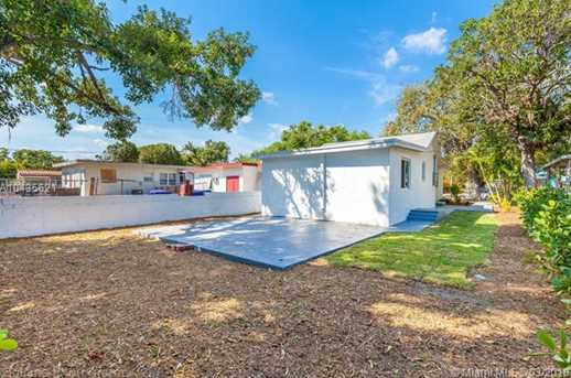 4221 NW 5th Ave - Photo 6