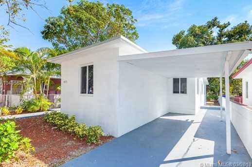 4221 NW 5th Ave - Photo 2