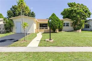 3365 NW 33rd St - Photo 1